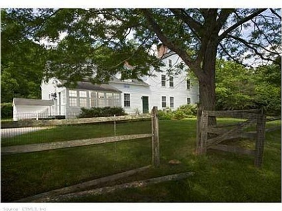 Renee Zellweger Lists Connecticut Farmhouse